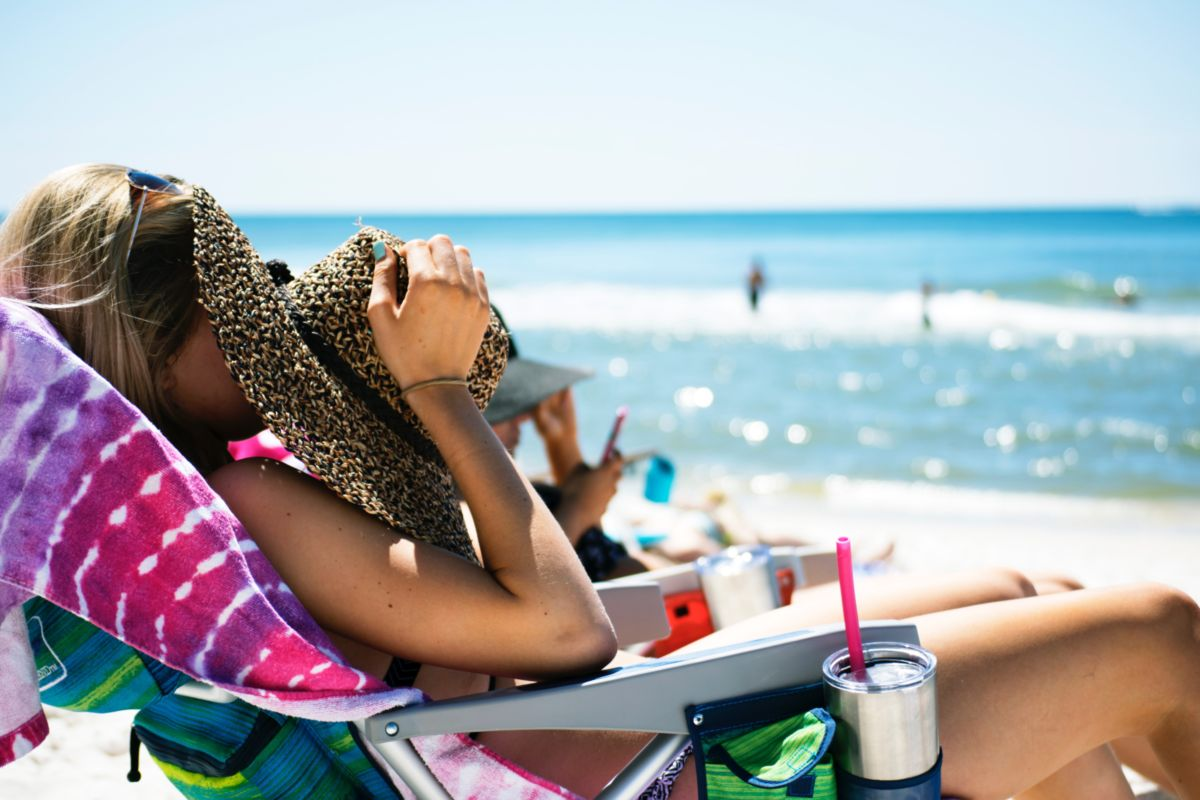 Means for sunbathing in the sun - different for all skin types